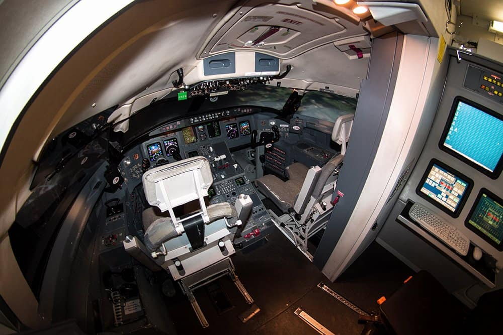 CRJ-200 Regional Jet Full Flight Simulators