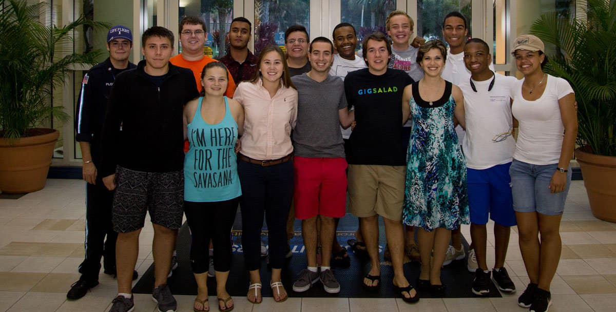Students in the Embry-Riddle Daytona Beach College of Business Living and Learning community pose for a picture.