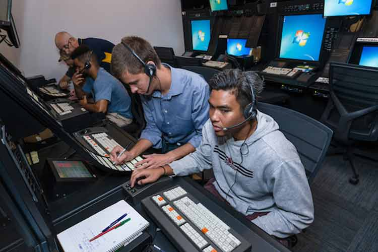 the Enroute Air Traffic Control Center Lab