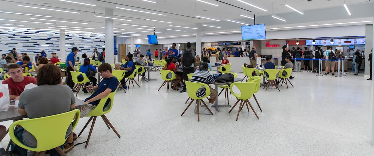 Seating areas and restaurants in the Student Union